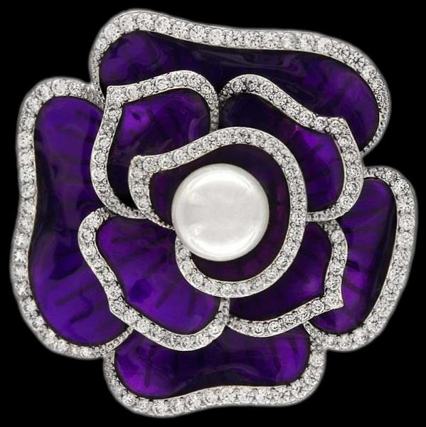 Brosche Blume silberfarben mit einer Perle und vielen weissen Strass Steinen BR015